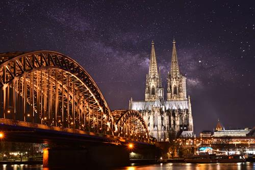 Last Minute Business Class Flights to Cologne 1