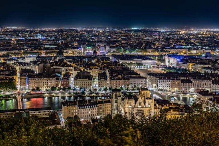 Last Minute Business Class Flights to Lyon 2
