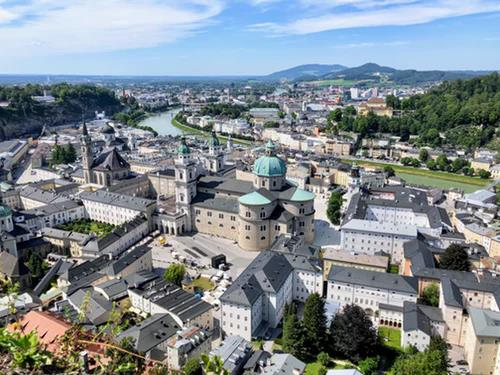 Last Minute Business Class Flights to Salzburg 1